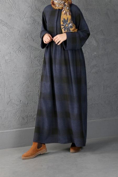 Esra Keskin Demir Lacivert Büzgü Detaylı Kareli Elbise