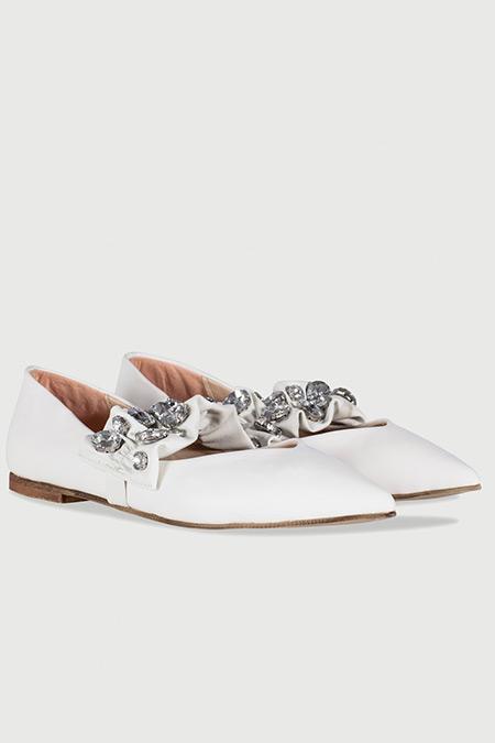 Ipekyol Beyaz Taş Aplike Bantlı Düz Ayakkabı