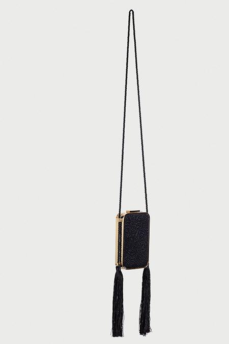 Ipekyol Siyah Dantel Görünümlü Altın Çerçeveli Püsküllü Çanta