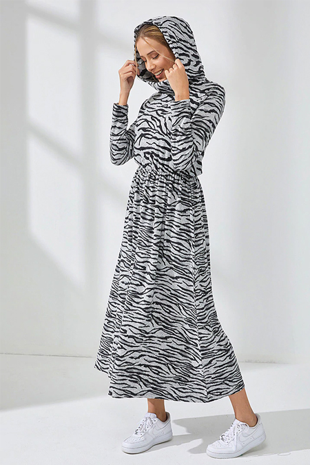 Muni Muni Siyah Gri Doğal Kumaşlı Kapüşonlu Elbise