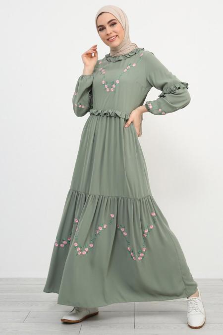 Refka Yeşil Nakış Detaylı Fırfırlı Elbise