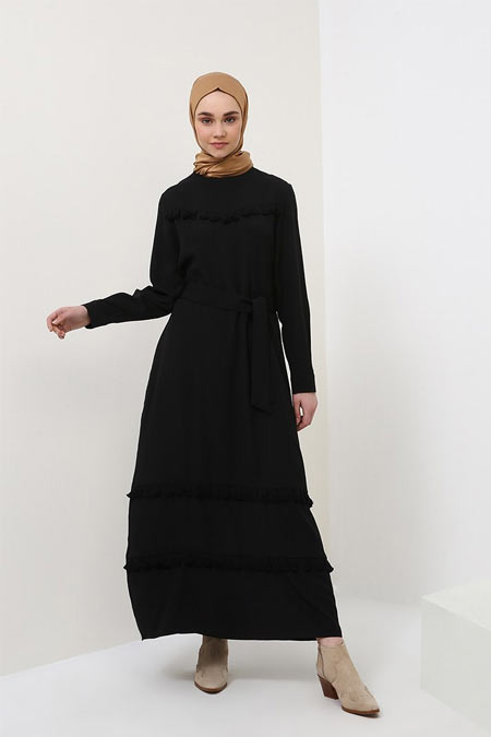 Benin Siyah Kuşaklı Elbise