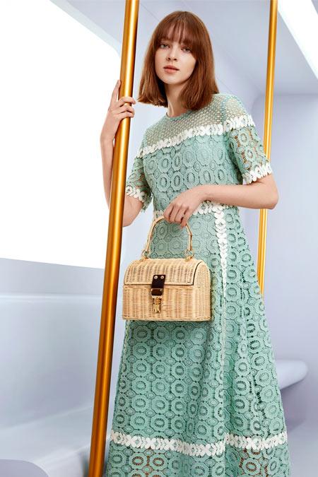 İpekyol Yeşil Renk Geçişli Güpür Elbise