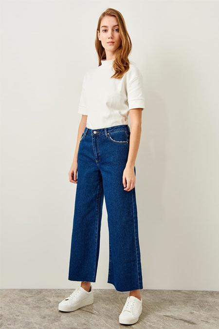 TRENDYOLMİLLA Mavi Paçası Kesikli Yüksek Bel Pantolon