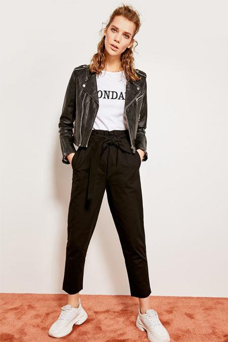 TRENDYOLMİLLA Siyah Kuşaklı Pantolon