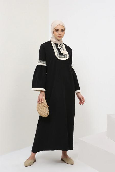 Benin Siyah Nakışlı Püskül Detaylı Elbise