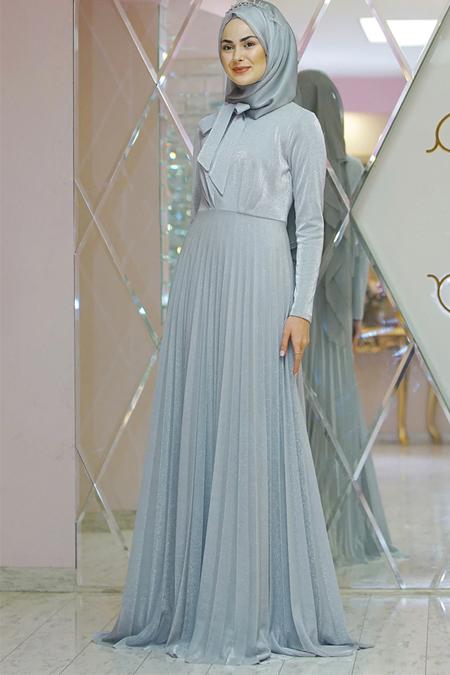 Gamze Özkul Gümüş Piliseli Elbise