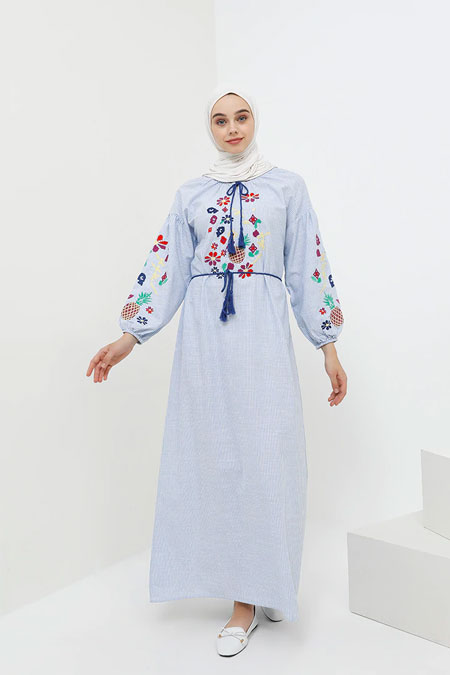 Benin Açık Mavi Doğal Kumaşlı Balon Kol Nakışlı Elbise