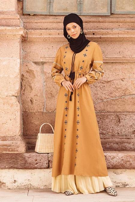 Benin Nakış Detaylı Beli Bağcıklı Karamel Elbise