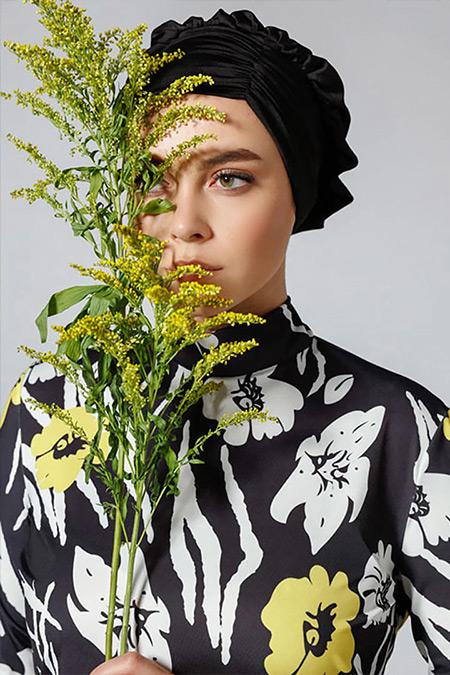 Mayovera Siyah Beyaz Çiçek Desenli Mayo