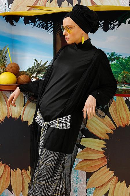 Mayovera Siyah Beyaz Kazayağı Plaj Elbisesi