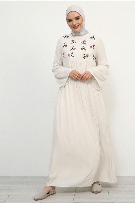 Refka Ekru Doğal Kumaşlı Nakış Detaylı Elbise