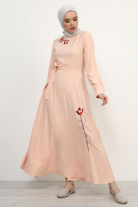Refka Pudra Doğal Kumaşlı Nakış Detaylı Elbise