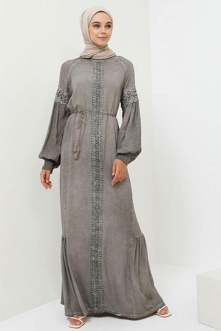 Benin Gri Doğal Kumaşlı Güpür Detaylı Elbise