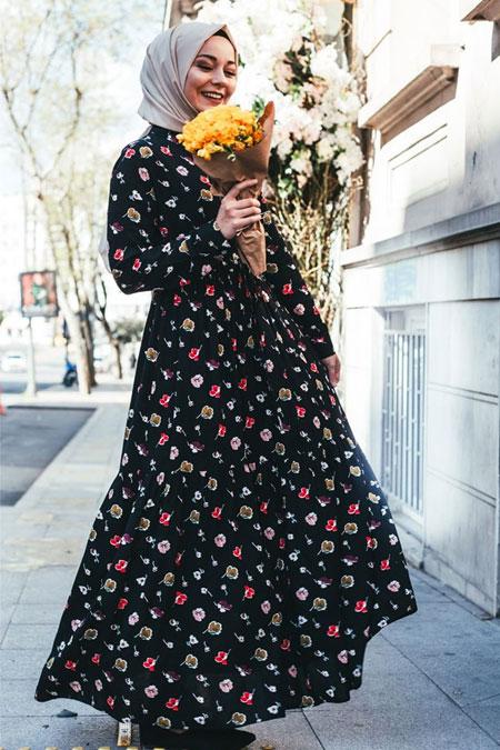 PASTELASTORE Siyah Çiçekli Elbise