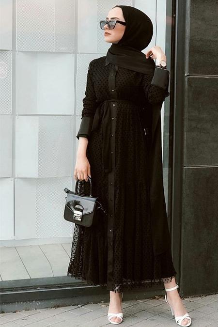Gülşen Üstün Siyah Elbise