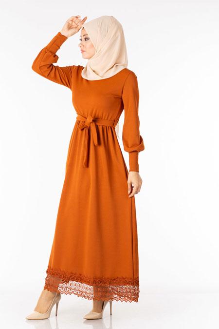 Kiremit Kuşaklı Güpürlü Tesettür Elbise