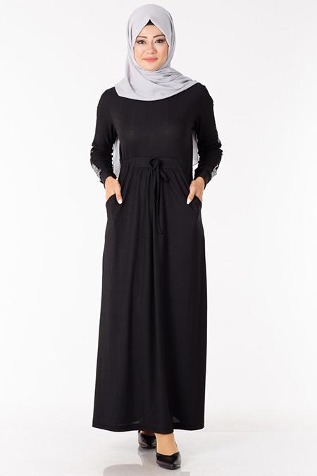 Siyah Kolu Pullu Elbise