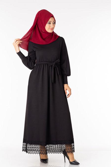 Siyah Kuşaklı Güpürlü Tesettür Elbise