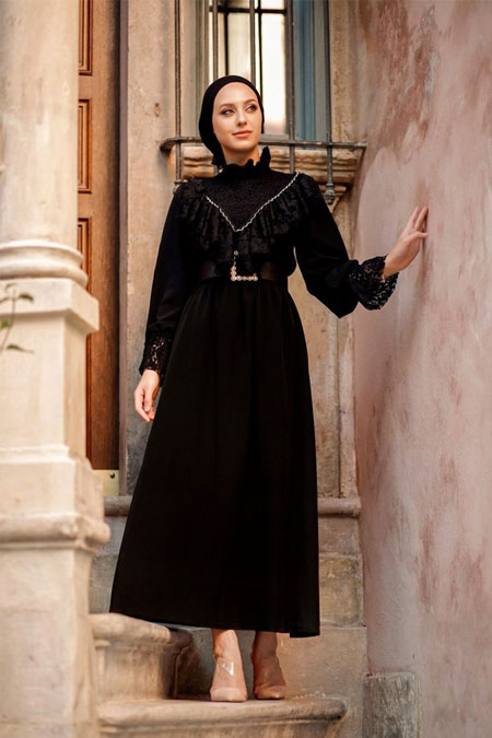 Esra Keküllüoğlu Siyah Dantelli Elbise