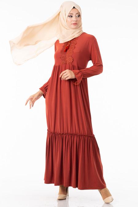 Fırfırlı Göğsü Güpürlü Tesettür Elbise