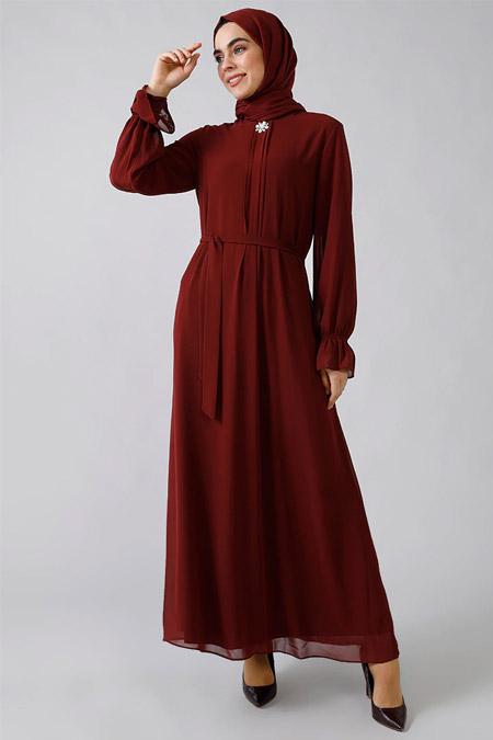 Refka Bordo Broş Detaylı Şifon Elbise