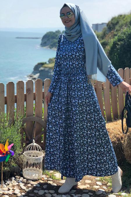 Kübra Biriktir Mavi Buse Çiçekli Elbise