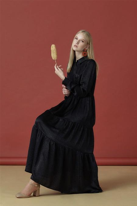 Arzen Siyah Düğme Detaylı Düz Elbise