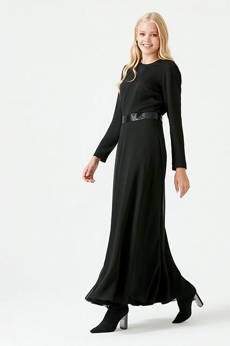 SCL Siyah Beli Pullu Uzun Elbise