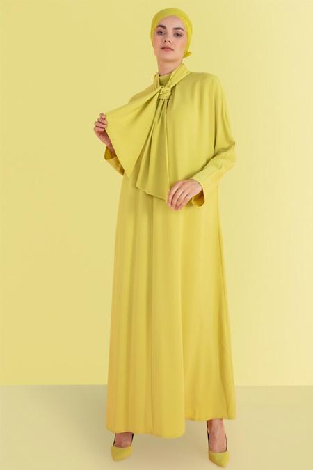 Nihan Peker Yeşil Yaka Detaylı Elbise