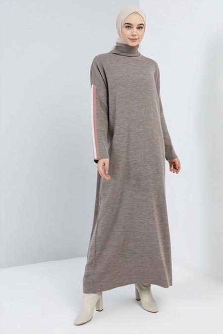 Benin Kahverengi Boğazlı Yaka Triko Elbise