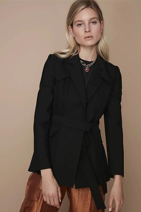 Ipekyol Siyah Nervür Detaylı Kuşaklı Ceket