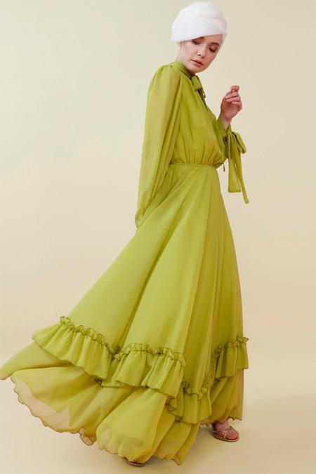 Nihan Peker Yeşil Volan Detaylı Şifon Abiye Elbise