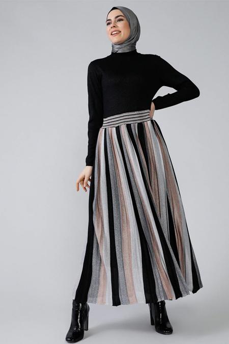 Refka Siyah Piliseli Elbise