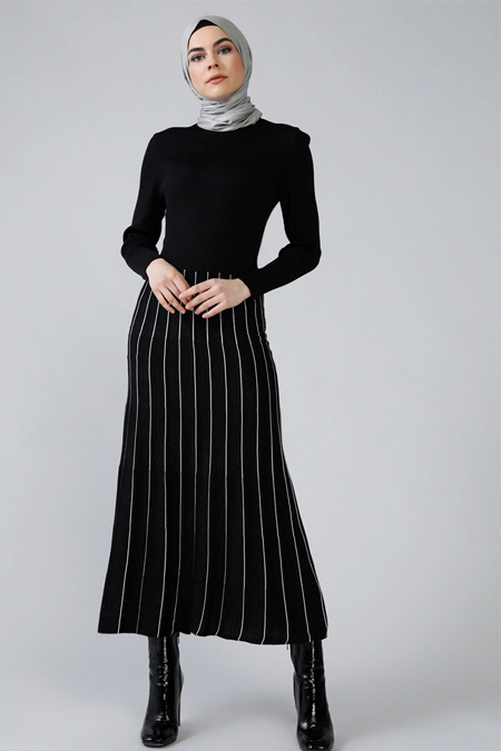 Refka Siyah Simli Garnili Triko Elbise