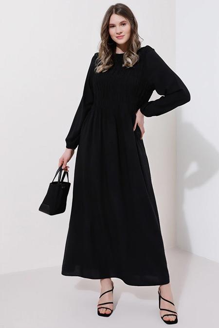 Alia Siyah Doğal Kumaşlı Büzgü Detaylı Elbise