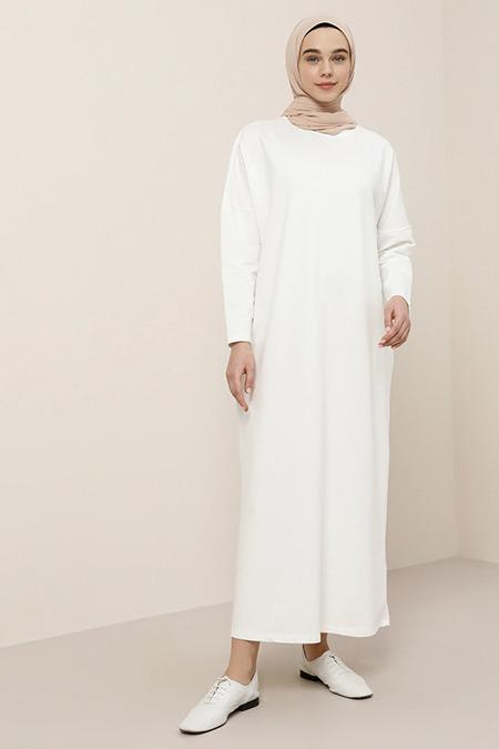 Benin Koyu Beyaz Cep Detaylı Elbise