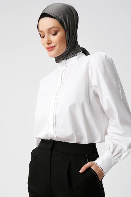 Refka Beyaz Doğal Kumaşlı Su Taşlı Gömlek