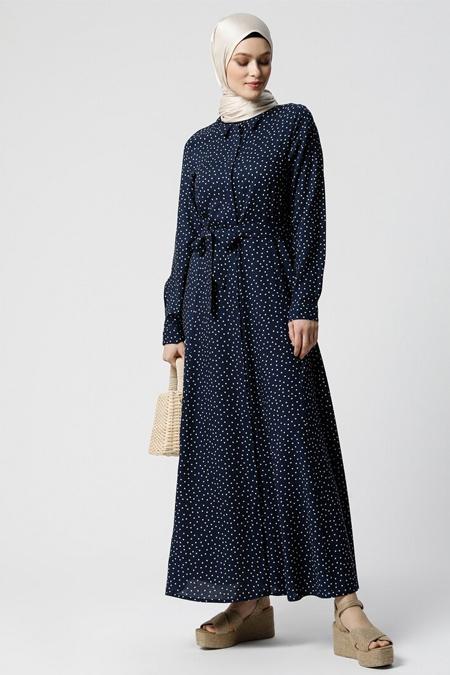 Refka Lacivert Ekru Doğal Kumaşlı Puantiyeli Elbise