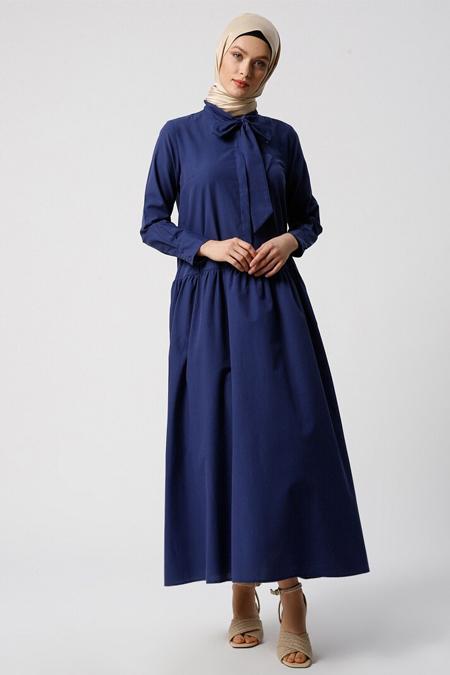 Refka Lacivert Yaka Detaylı Gizli Düğmeli Elbise