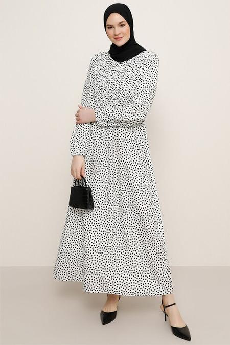 Alia Siyah Beyaz Doğal Kumaşlı Çiçek Desenli Elbise