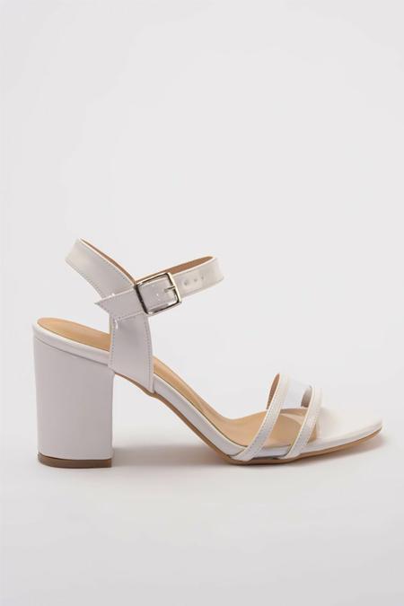 Trendyolmilla Beyaz Şeffaf Detaylı Topuklu Ayakkabı