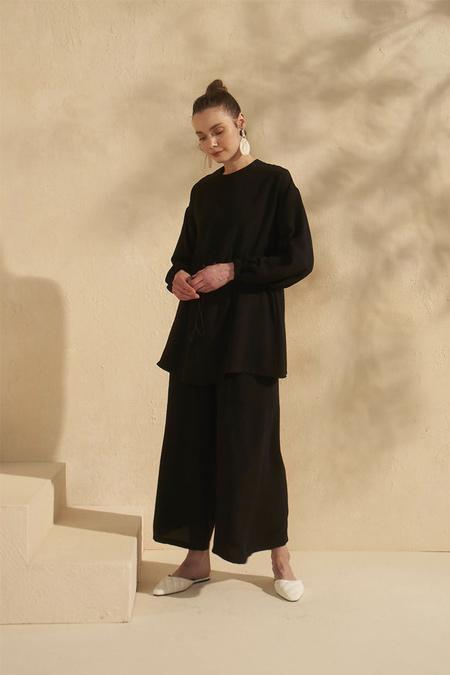 HE-QA Siyah Pantolon Etekli Takım