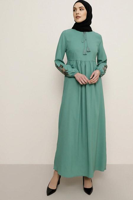 Tavin Çağla Kolları Nakış Detaylı Elbise