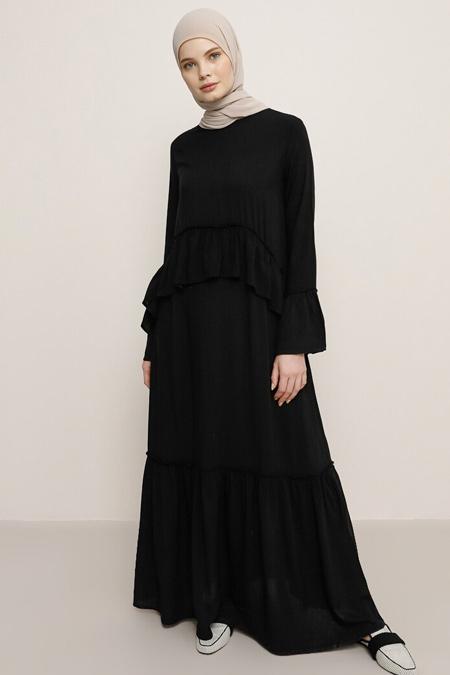 Benin Siyah Doğal Kumaşlı Volan Detaylı Elbise