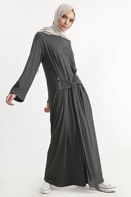 Plistre Gri Taş Detaylı Uzun Elbise