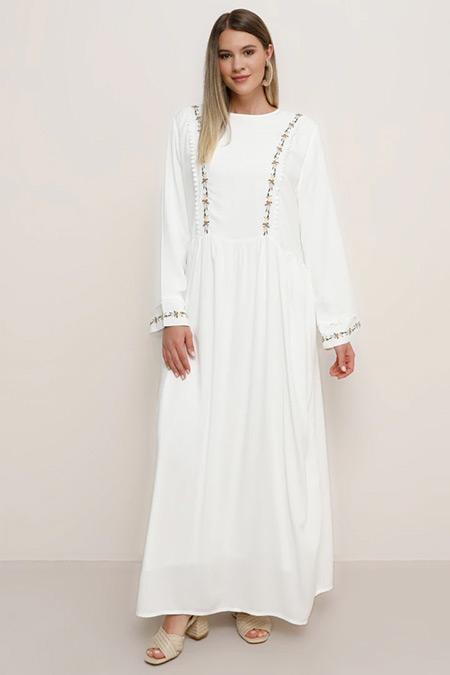 Alia Beyaz Doğal Kumaşlı Nakış Detaylı Elbise