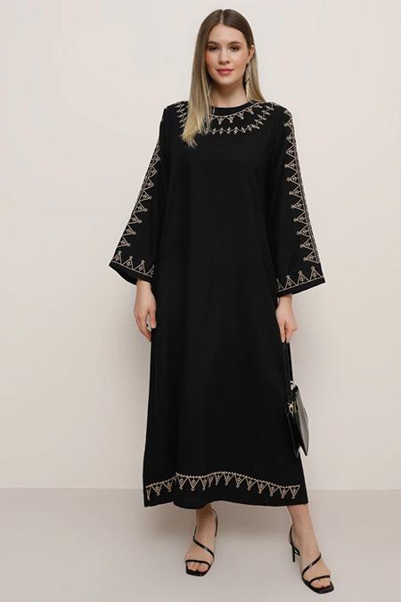 Alia Siyah Doğal Kumaşlı Nakış Detaylı Elbise