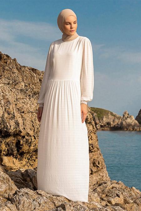 Benin Beyaz Doğal Kumaşlı Dantel Detaylı Elbise