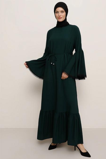 Tavin Zümrüt Yeşili Kol Ucu Güpür Aplikeli Elbise